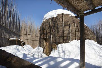Visit to the Ekionkiestha' national longhouse 1